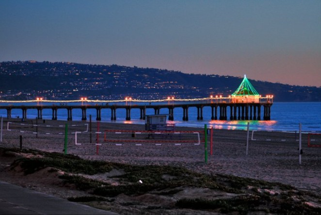 Manhattan Beach Pier Christmas Lights