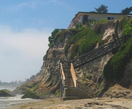 camino pescadero peskies surf stairs isla vista