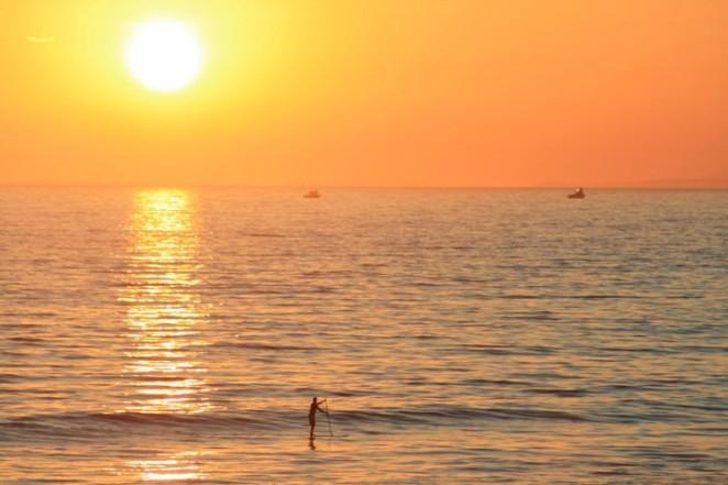 paddleboard sun