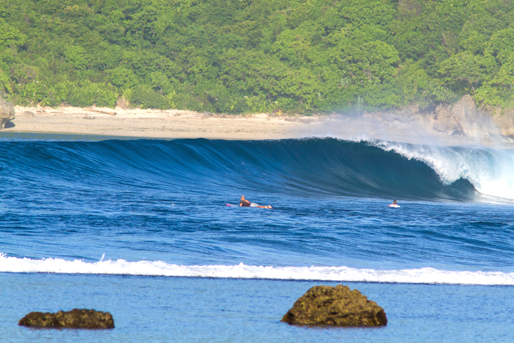 surfing west sumbawa